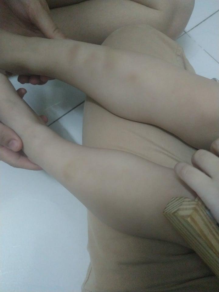 Kiểm tra camera thấy con trai bị xô ngã tới tấp, phụ huynh Hà Nội nghi cô giáo mầm non bạo hành con?-3