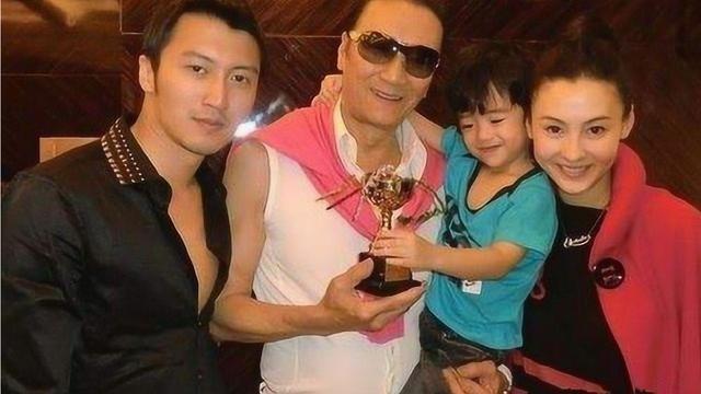 Bố Tạ Đình Phong ngầm xác nhận nam tài tử chính là cha đẻ con trai út của Trương Bá Chi?-6