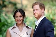 Rời hoàng gia, nhà Meghan Markle vẫn ngang nhiên sử dụng hình ảnh vương miện, dư luận chỉ nhận xét đúng một câu khiến cặp đôi phải xấu hổ