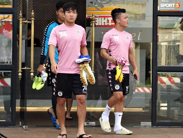 HLV trưởng Hà Nội FC: Quang Hải có thể bị xáo trộn tâm lý nhưng đội bóng sẽ bảo vệ cậu ấy-1