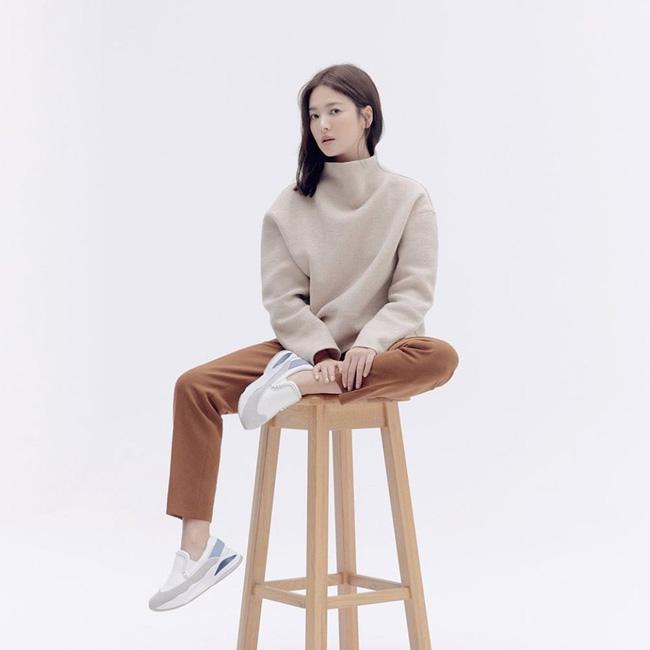 Thông tin hiếm về mẹ ruột của Song Hye Kyo: Kết hôn năm 18 tuổi rồi trở thành mẹ đơn thân, cuối cùng lại là điểm tựa cho con gái sau ly hôn-3
