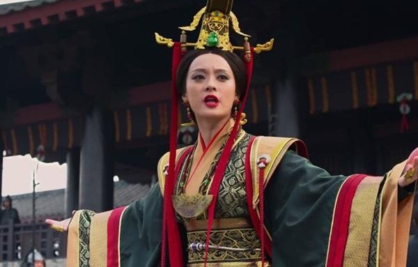 """Vị Vương hậu ghen tuông tiếng tăm trong lịch sử, nhiều lần chỉ cần dùng một chiêu duy nhất mà thanh tẩy cả hậu cung, khiến tình địch sống không bằng chết""""-2"""