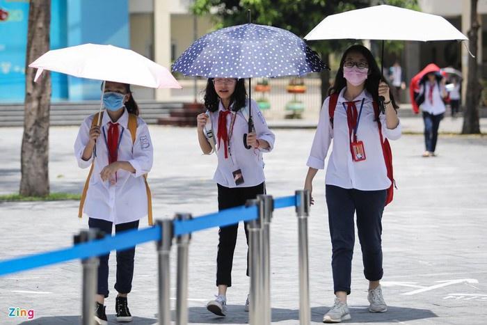 Nắng nóng gay gắt, nhiều địa phương kết thúc năm học trước tháng 7-1