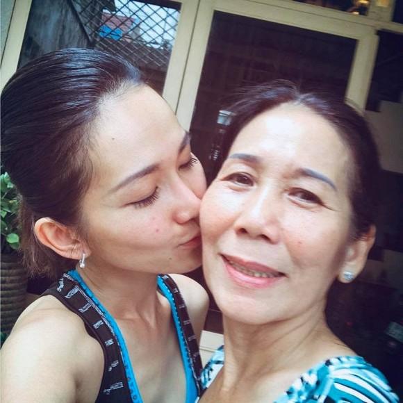 Mẹ ruột qua đời, Kim Hiền lòng đau như cắt khi không thể về Việt Nam chịu tang-3