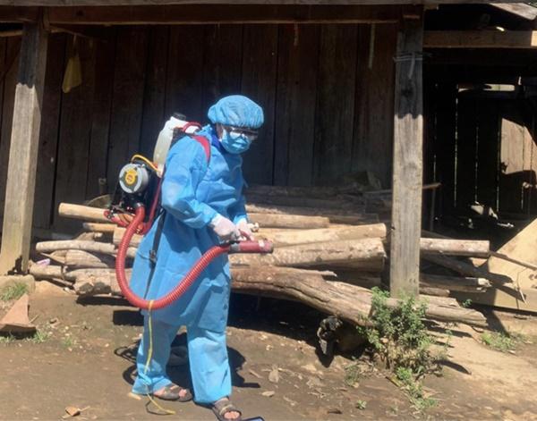 Dịch bạch hầu tại Đắk Nông khiến 1 trẻ tử vong và hơn 1 ngàn người phải cách ly: Biến chứng của bệnh bạch hầu rất nguy hiểm-2