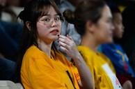 Huỳnh Anh cùng người chị thân thiết có mặt ở Sài Gòn trước trận đấu của Quang Hải
