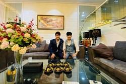 Ca sĩ Lương Gia Huy đến thăm biệt thự 20 tỉ của Quang Hà