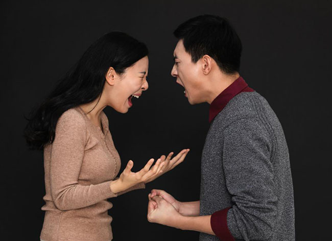 Khó tin nhưng có thật: Nhà tâm lý học chỉ ra đàn ông càng yêu, càng dễ lừa dối-2