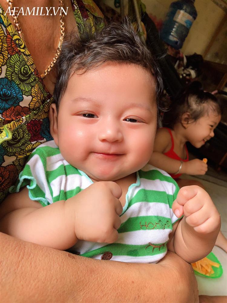 Lúc bầu bí hâm mộ Đặng Văn Lâm cuồng nhiệt, mẹ 9x Tây Ninh sinh con ra ai nhìn mặt bé cũng giật mình-11