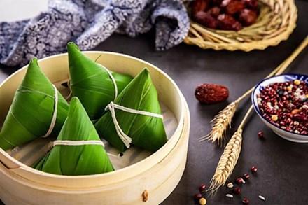 Tích xưa về bánh ú tro trong ngày Tết Đoan Ngọ: Tục lệ quen thuộc của người Á Đông mang nặng giá trị tinh thần không phải ai cũng biết