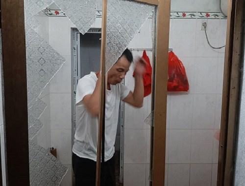 Chân dung kẻ giết vợ trong phòng tắm ở Phú Thọ: Chồng vũ phu, từng chém đứt gân tay vợ-2