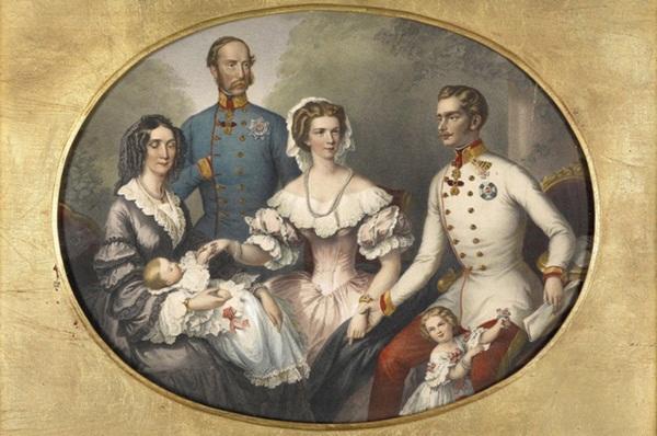 Số phận của vị hoàng hậu đẹp nhất châu Âu: Bị mang danh cướp chồng của chị gái, bước vào lồng son là một chuỗi những bi kịch đau đớn-5
