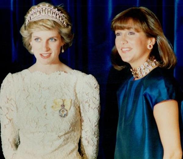 Cộng đồng mạng chia sẻ bức ảnh cũ của Công nương Diana với một người phụ nữ, bằng chứng cho thấy sự toan tính của Meghan Markle-1