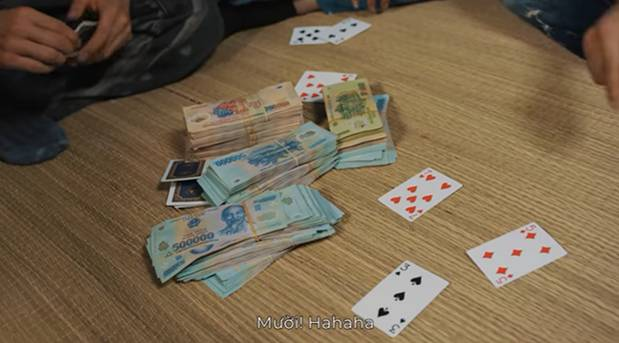Giang hồ mạng Huấn Hoa Hồng ngang nhiên làm MV quảng cáo game đánh bạc: Có thể bị xử lý hình sự-19
