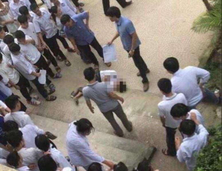 Nam sinh lớp 10 bất ngờ nhảy từ tầng 2 xuống sân trường, phát hiện mấy ngày qua có dấu hiệu bất thường-1