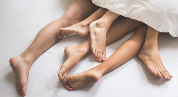 Hôn nhân không dừng ở 2 người: Xu hướng thoáng trong chuyện gối chăn vì tình yêu là không giới hạn hay sự buông thả tư tưởng?-3