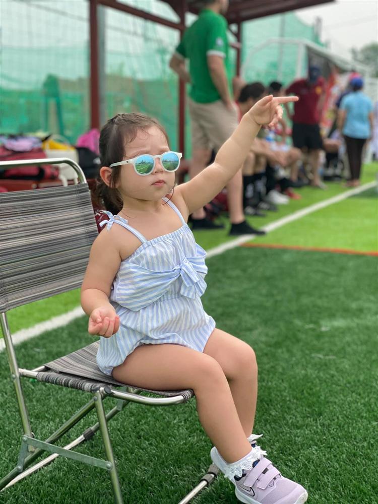 Bé Myla mới 2 tuổi đã sở hữu chiều cao của trẻ 3 tuổi, nhìn cách nuôi con của siêu mẫu Hà Anh có nhiều điều đáng học hỏi-8