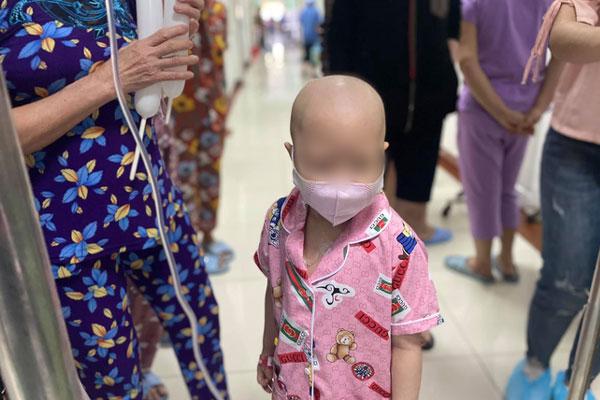 Vụ bệnh viện ở TP.HCM bị tố truyền hóa chất hết hạn cho bệnh nhi suy tủy: Bộ Y tế vào cuộc-1