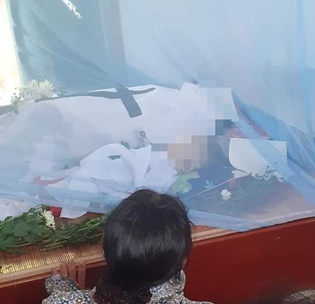 Vụ người mẹ tử vong thương tâm trên đường chở con đi học: Bé trai cũng không qua khỏi-1