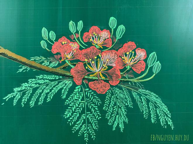 Thầy giáo 9X vẽ hoa phượng đỉnh cao giống y như thật, xem đến ảnh chữ viết càng phục hơn-1