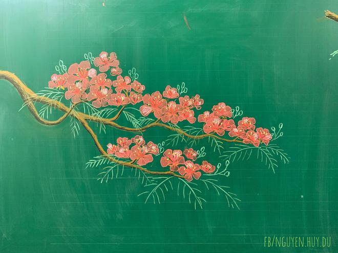 Thầy giáo 9X vẽ hoa phượng đỉnh cao giống y như thật, xem đến ảnh chữ viết càng phục hơn-4