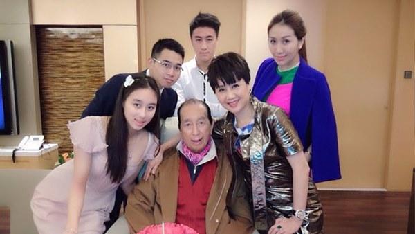 Công bố bản cáo phó Vua sòng bài Macau: Hé lộ danh tính đứa con trai bí ẩn mà công chúng chưa bao giờ biết đến-2