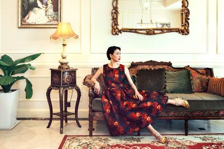 Cùng ở nhà triệu đô: Hoa hậu Hà Kiều Anh vẫn kém cháu trai gia tộc nức tiếng Sài Gòn-1