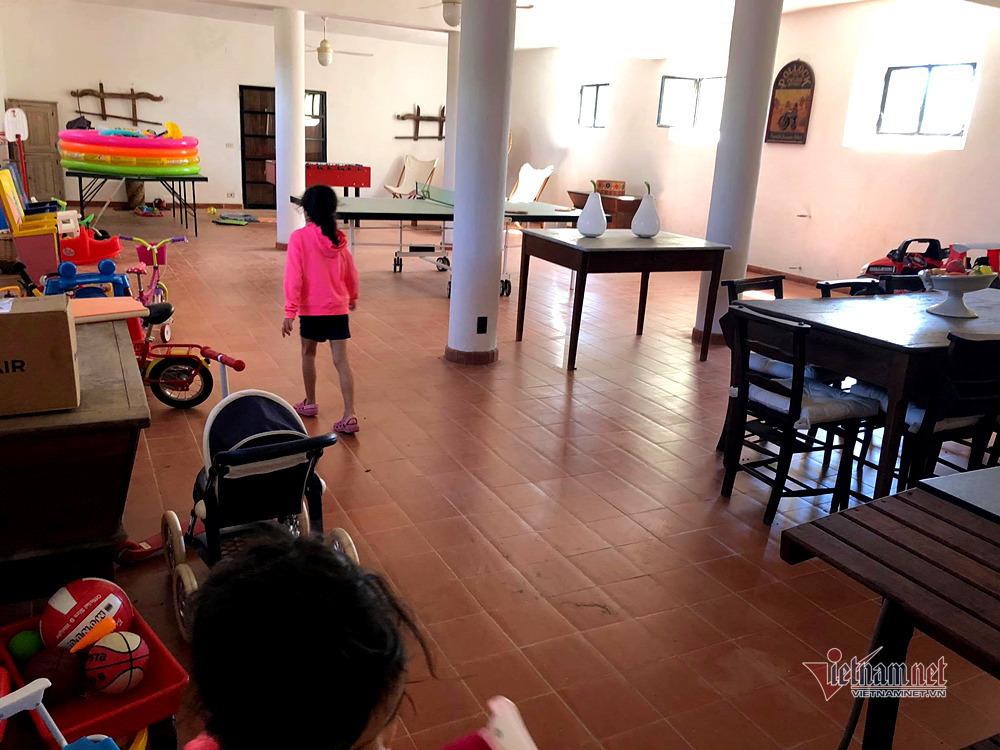 Villa 10.000 m2 của Hoa hậu Ngô Mỹ Uyên cùng chồng Tây-13