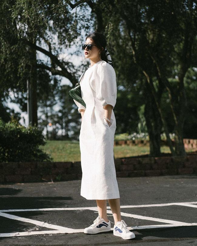 Nàng fashion blogger gợi ý 9 set màu trung tính để chị em công sở dù vụng về hay không có nhiều đồ vẫn mặc đẹp khỏi nghĩ-1