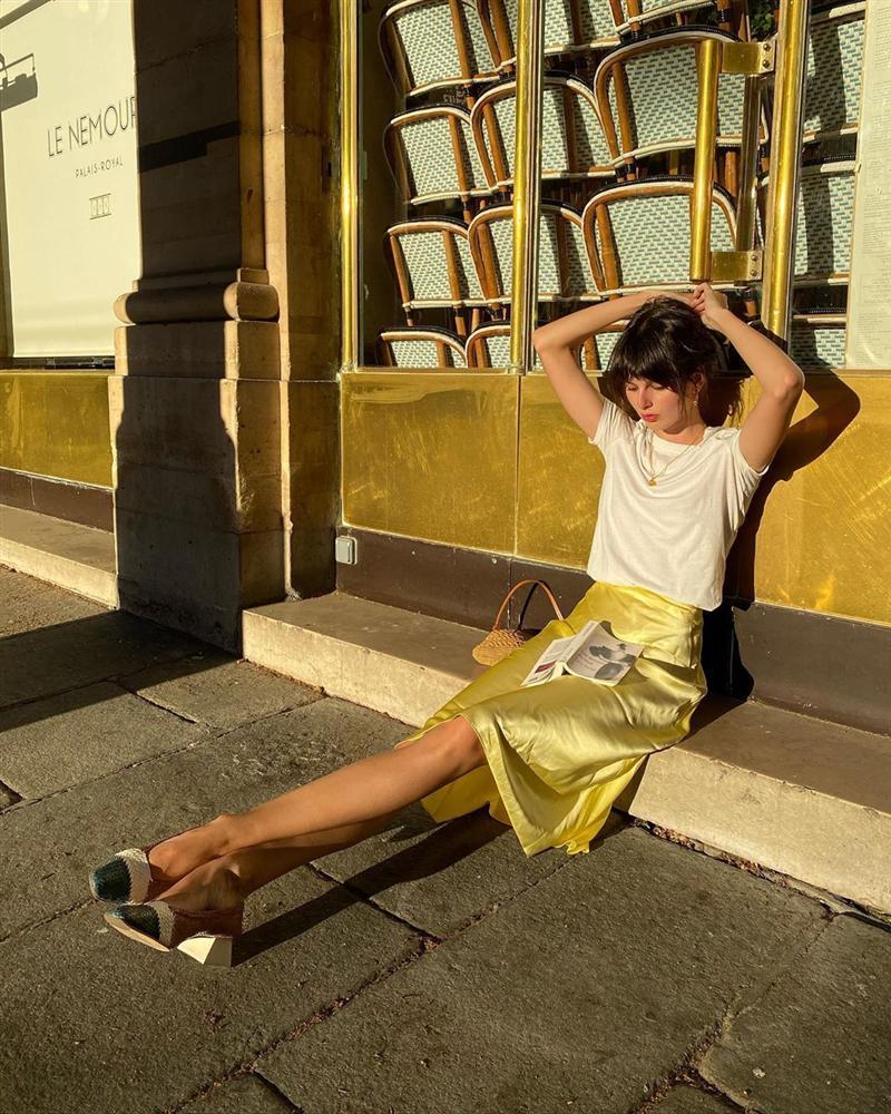 4 mẫu chân váy xinh như mộng được phụ nữ Pháp si mê từ năm này qua tháng khác, bạn sắm theo là style đã lên đời rồi-5