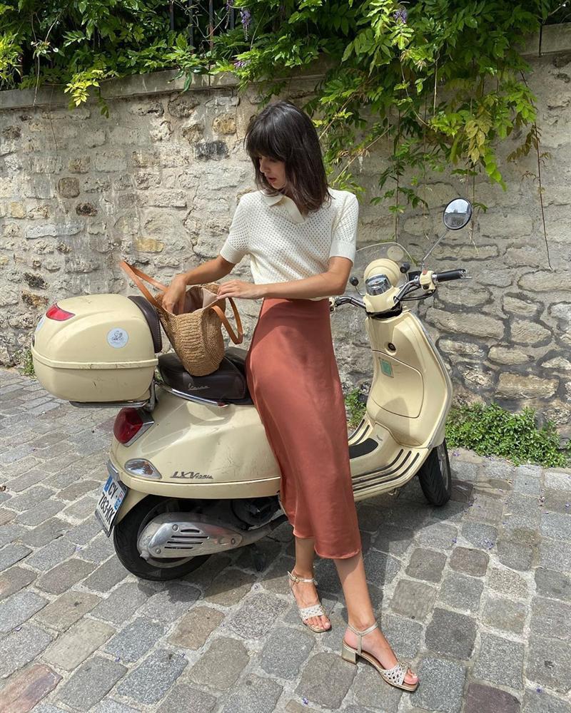 4 mẫu chân váy xinh như mộng được phụ nữ Pháp si mê từ năm này qua tháng khác, bạn sắm theo là style đã lên đời rồi-6