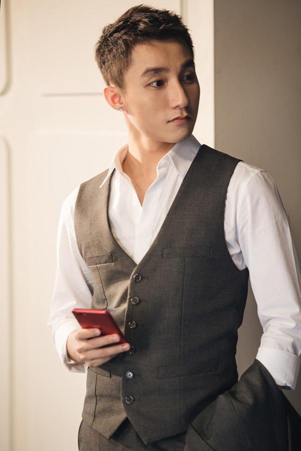 Rầm rộ ảnh Thiều Bảo Trâm ở studio váy cưới, Sơn Tùng liền bị gọi tên: Có chắc yêu là... happy ending?-2