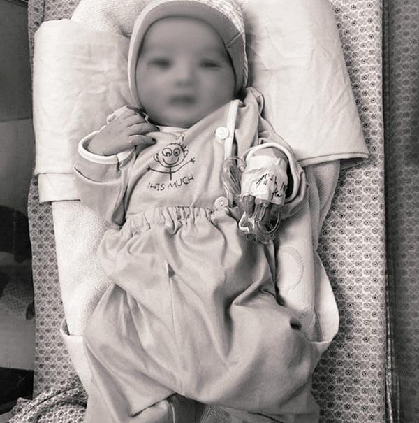 Đỗ Mỹ Linh, Lương Thuỳ Linh xót xa khi hay tin em bé bị bỏ rơi ở hố gas đã qua đời: Về với thiên đường con nhé!-1