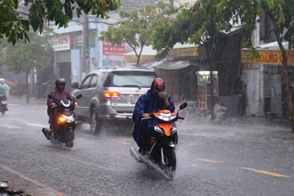 Dự báo thời tiết 30/6: Hà Nội vẫn nắng nóng, chiều dịu mát nhờ mưa dông-1