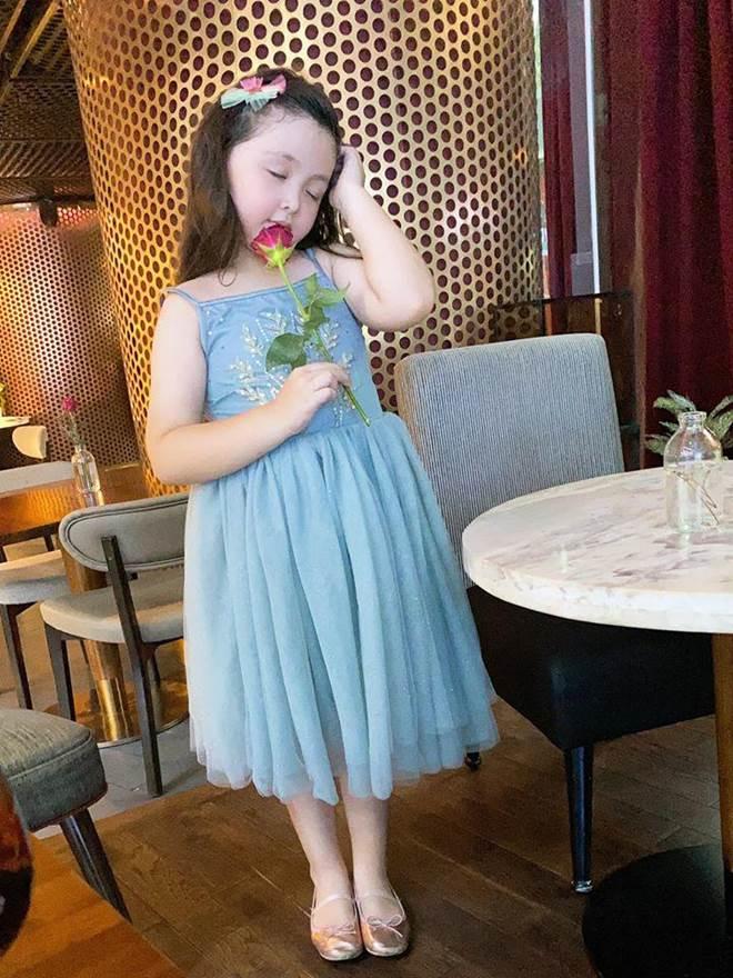 Lâu lắm Elly Trần mới khoe hình con gái, Cadie Mộc Trà giờ đã điệu như nàng thơ-7
