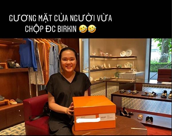 Bà bầu Quỳnh Anh khiến fan giật mình vì khuôn mặt khác lạ, còn khoe mua túi Hermes để đựng bỉm cho con-1