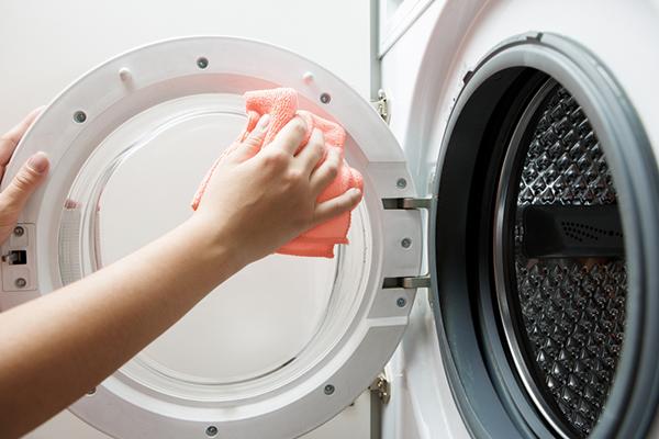 Vài bước đơn giản vệ sinh máy giặt sạch bong chẳng cần tốn tiền gọi thợ-1