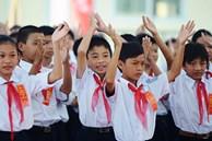 Học sinh tiểu học chính thức được miễn đóng học phí bắt đầu từ ngày 1/7, học sinh ngoài cơ sở công lập được hỗ trợ học phí