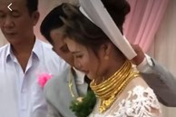 Cô dâu Sóc Trăng khiến MXH choáng ngợp, đếm số vàng trên người cô dâu cũng đủ hoa mắt chứ chưa nói đến chú rể
