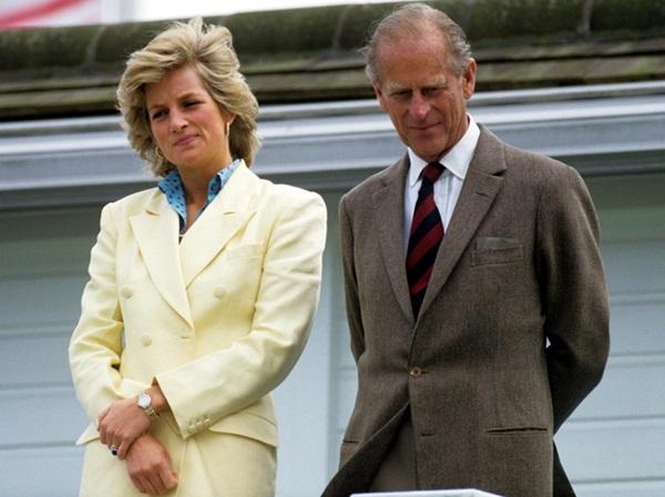 Sự thật về bức ảnh phơi bày cho toàn thế giới biết cuộc hôn nhân đã chết của Công nương Diana: Gần ngay trước mắt mà xa tận chân trời-6
