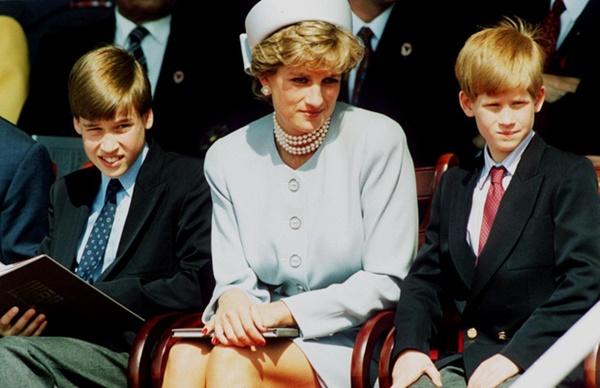 Hé lộ cuộc gọi cuối cùng với con trai của Công nương Diana trước khi ra đi, điều khiến hai vị Hoàng tử nuối tiếc suốt cuộc đời-2