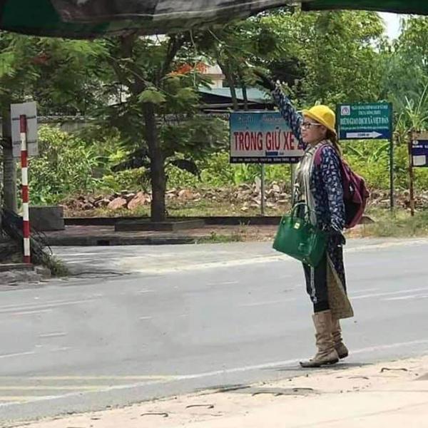 Hot girl Bella có mặt tại Quảng Ninh, đồ đạc lỉnh kỉnh nhưng không đi cùng con trai-1