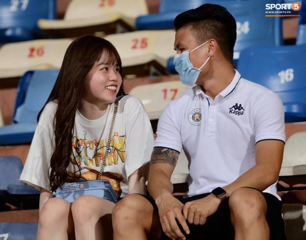 Huỳnh Anh bất ngờ chia sẻ khoảnh khắc mới, mẹ nuôi Quang Hải lập tức để lại bình luận đáng chú ý-6