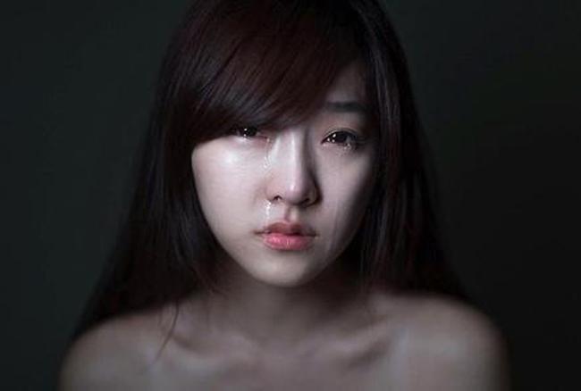 Im lặng là tiếng khóc lớn nhất của phụ nữ, cũng là sự kháng cự thầm lặng nhất-2