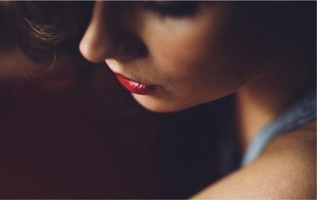 Im lặng là tiếng khóc lớn nhất của phụ nữ, cũng là sự kháng cự thầm lặng nhất-3