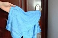 Qua nhà bạn thấy nắm cửa luôn treo khăn ướt, biết lý do tôi về làm theo ngay