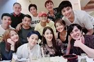Mẹ bầu Đông Nhi khoe ảnh tụ tập với hội bạn toàn sao, nhưng dân tình chỉ dán mắt vào Hoàng Thùy Linh và Gil Lê