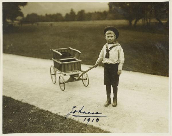 Vén màn bí mật về Hoàng tử mất tích của nước Anh: Chỉ hiện diện đến năm 4 tuổi rồi biến mất không dấu vết, cậu bé có thực sự tồn tại?-3