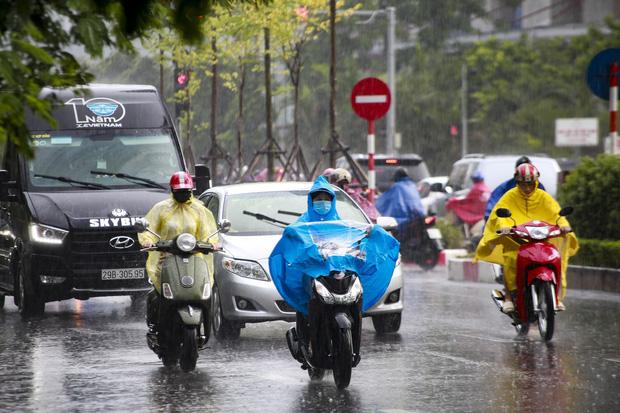 Miền Bắc tiếp tục mưa rào và giông, nhiều nơi mưa rất to-1