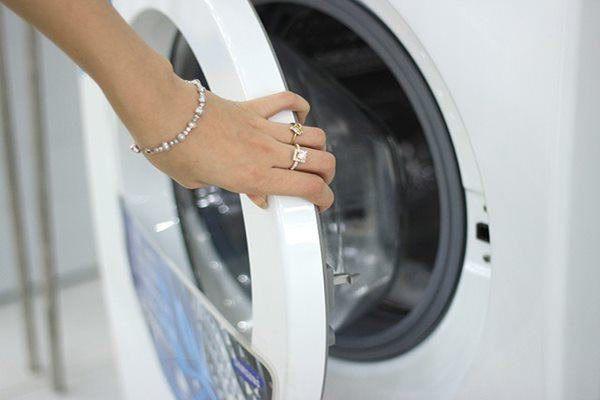 Có nên đóng nắp sau khi giặt máy? Hóa ra nhiều gia đình đã làm sai suốt bao nhiêu năm-1
